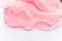 Różowy jedwabniczy szalik. zdjęcie stock