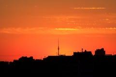 również budynku dna miasta budowy ogień mocniej wizerunku nowoczesnego Moscow przeszedł kilka smogu sunrise pociąg Fotografia Stock
