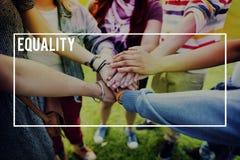 Równość Wyprostowywa Równej sprawiedliwości niezawodności pojęcie zdjęcie stock