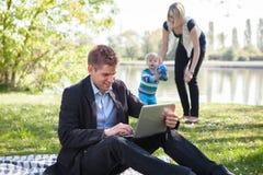 Równowaga między pracą i życiem rodzinnym Zdjęcie Royalty Free