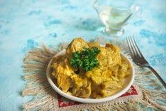 Rôti délicieux et épicé de cari de poulet de cuisine indienne photographie stock libre de droits