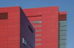 Röd affärsbyggnad arkivbild