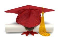 Röd akademiker hatt och diplom Arkivbild