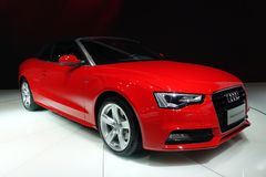 Röd Audi a5 Cabriolet Royaltyfri Foto