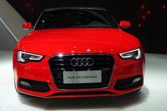 Röd Audi a5 Cabriolet Fotografering för Bildbyråer