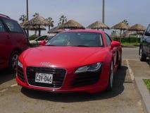 Röd Audi R8 V8 FSi kupé i Chorrillos, Lima Arkivfoton