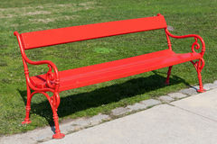 Röd bänk Arkivbild