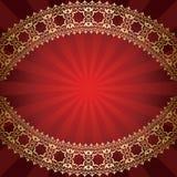 Röd bakgrund med den böjda guld- ramen Royaltyfri Bild