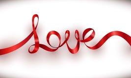 Röd bandbokstäver för förälskelse med vit bakgrund Arkivfoto