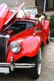Röd bil för tappning Fotografering för Bildbyråer