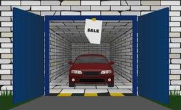 Röd bil i garaget med en öppen port royaltyfri fotografi