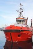 Röd bogserbåt Fotografering för Bildbyråer