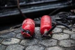 Röd brandsläckare för använd bil Royaltyfria Foton