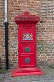 Röd brevlåda Royaltyfri Fotografi