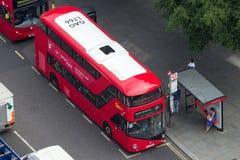 Röd buss för dubbel däckare London Royaltyfria Foton