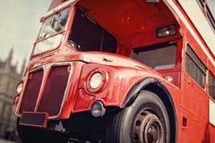 Röd buss London Routemaster för dubbel däckare Arkivfoto