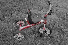 Röd cykel Fotografering för Bildbyråer