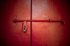 Röd dörr Arkivbilder