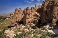 Röd dal på Cappadocia, Anatolien, Turkiet Vulkaniska berg in Royaltyfri Foto