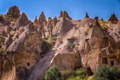 Röd dal på Cappadocia, Anatolien, Turkiet Vulkaniska berg in Royaltyfri Fotografi