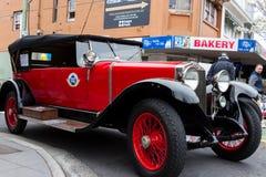 Röd efterkrigs- europeisk bil Royaltyfria Bilder