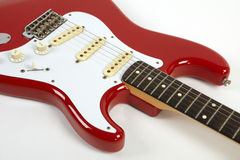 Röd elektrisk gitarr Royaltyfria Bilder