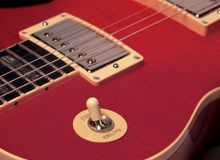 Röd elkraft för rytm/för treble Arkivfoto