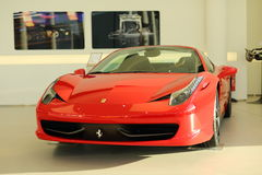 Röd Ferrari 458 spindel Arkivbilder