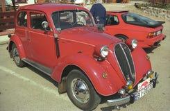 Röd Fiat för tappning bil 1500 Royaltyfria Bilder