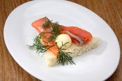Röd fisksmörgås Arkivfoton