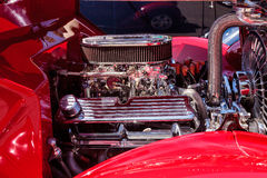 Röd Ford Model 68 Cabriolet 1936 Arkivbilder