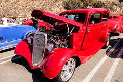 Röd 1933 Ford 40 sedan Royaltyfri Foto