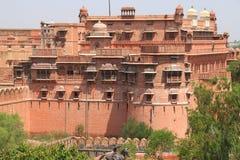 Röd fortbikaner rajasthan Indien Royaltyfri Bild