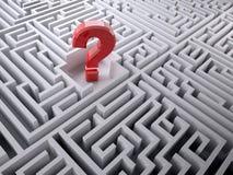Röd frågefläck inom labyrintlabyrinten Arkivbild
