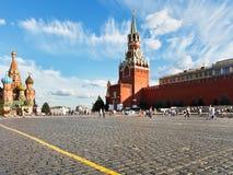 Röd fyrkant i Moskva i sommardag Arkivbilder