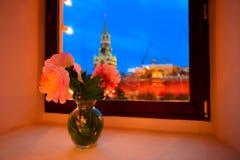 Röd fyrkant och Kreml på jul Royaltyfria Bilder