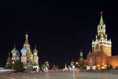 Röd fyrkant på natten. Moscow Ryssland. Royaltyfri Fotografi