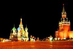 Röd fyrkant vid natt Royaltyfri Bild