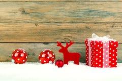 Röd gåva för jul Arkivbild