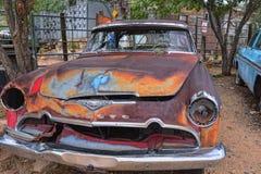 Röd gammal övergiven Desoto bil Royaltyfria Foton