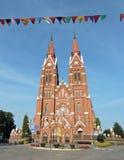 Röd gammal härlig kyrka, Litauen royaltyfri fotografi