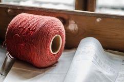 röd garnfabrik Royaltyfria Bilder