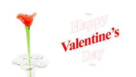 Röd Glass blomma i vas med lyckliga valentin för ord dag på whit Royaltyfria Bilder
