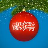 Röd glass boll för jul med festlig text Glad jul som märker på en vinter, smyckar att hänga på en granfilial stock illustrationer