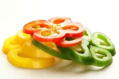 Röd, gul och grön spansk peppar skivade ‹för â€, Royaltyfria Foton