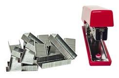röd häftapparat arkivfoto