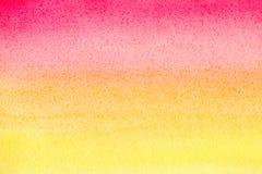 Röd handgjord målad vattenfärglutningbakgrund på texturerat papper Akvarellfläckar Abstrakt begrepp målad mall med pappers- te Arkivfoton
