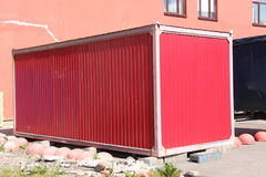 Röd hangar arkivbilder