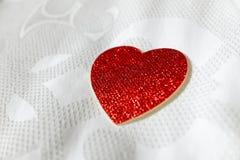 Röd hjärta för närbild Arkivbilder