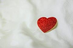 Röd hjärta för närbild Royaltyfri Fotografi